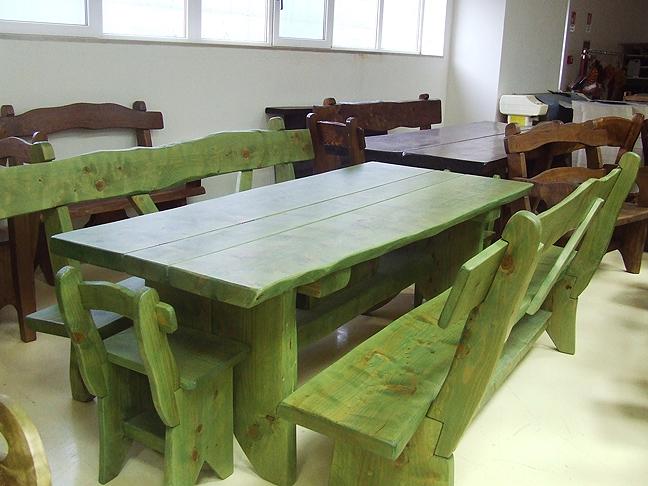 Tavoli in legno massello rustici latest lmc tavolo berger for Fabbrica tavoli in legno